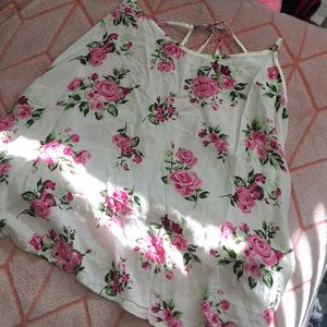 Strappy back tank top with flower design